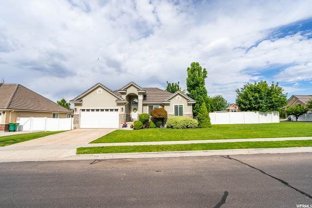 3247 N 560 W, Lehi, UT 84043 (#1677758) :: Big Key Real Estate