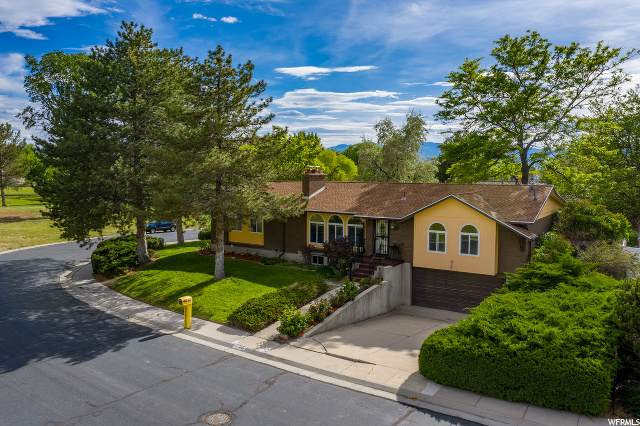449 Country Clb, Stansbury Park, UT 84074 (#1678251) :: Big Key Real Estate
