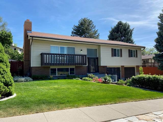 2660 E Towne Dr, Cottonwood Heights, UT 84121 (#1678305) :: goBE Realty