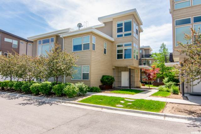 1053 W Rooftop Dr, Midvale, UT 84047 (#1678837) :: The Fields Team