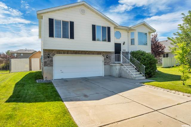 1462 N 2530 W, Clearfield, UT 84015 (#1681068) :: The Fields Team