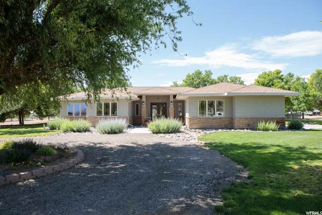 345 W Center St, Central Valley, UT 84754 (#1683321) :: Exit Realty Success
