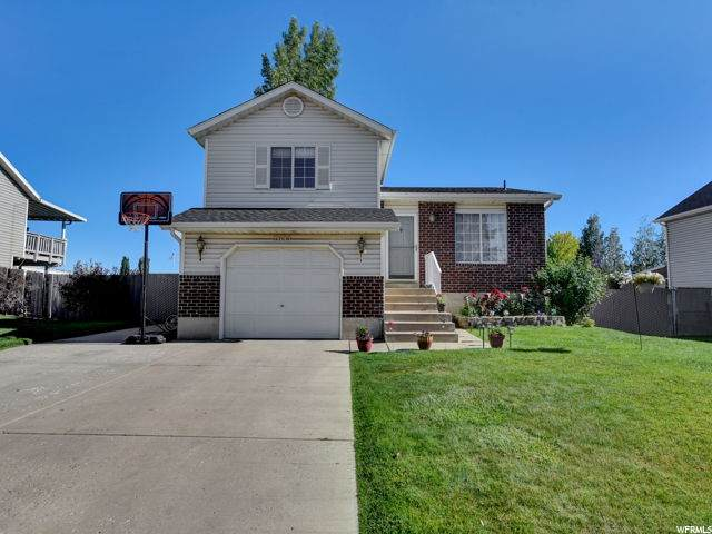 2695 W 5350 S, Roy, UT 84067 (#1684244) :: Doxey Real Estate Group