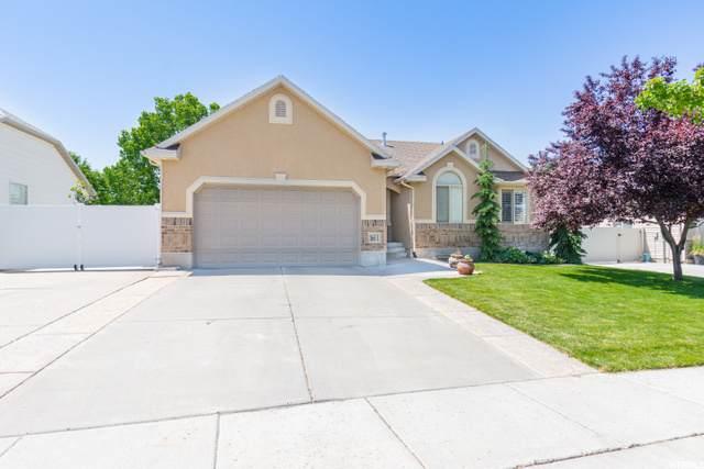 166 E 1525 N, Layton, UT 84041 (#1686270) :: Big Key Real Estate