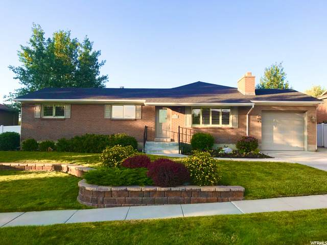 1627 E Mulberry Way S, Sandy, UT 84093 (#1686605) :: Bustos Real Estate | Keller Williams Utah Realtors