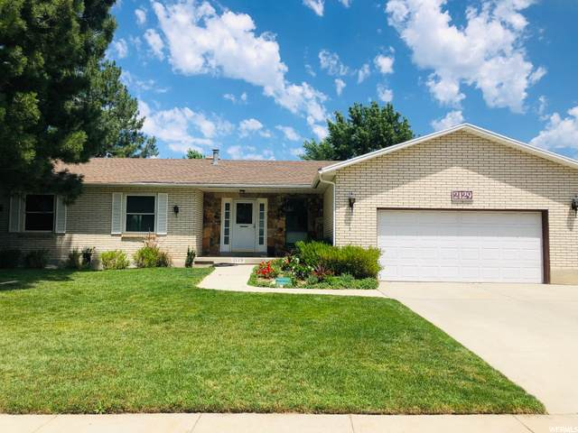2129 E Lonsdale Dr S, Cottonwood Heights, UT 84121 (#1687365) :: Red Sign Team