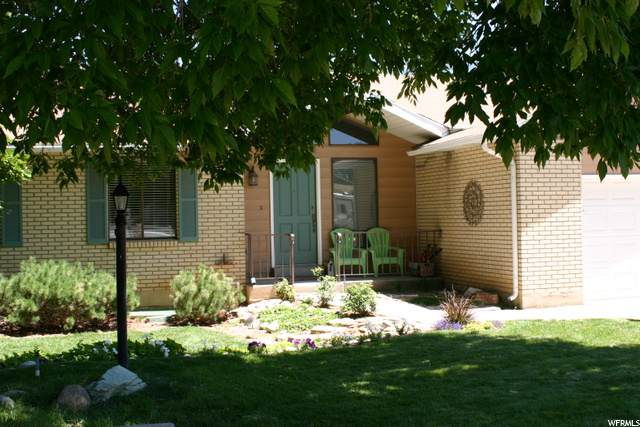 9813 S Countrywood Dr, Sandy, UT 84092 (#1687869) :: Red Sign Team