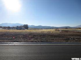 604 W Summer Breeze Crk S, Woodland Hills, UT 84653 (MLS #1688251) :: Lookout Real Estate Group