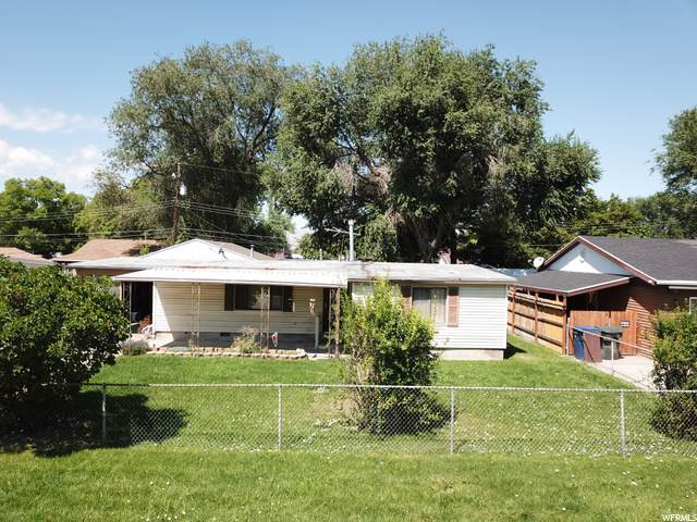 2882 S 2955 W, West Valley City, UT 84119 (#1691536) :: Red Sign Team