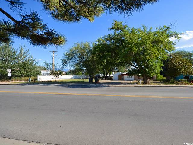 1671 W 2320 S, West Valley City, UT 84119 (#1691952) :: Red Sign Team