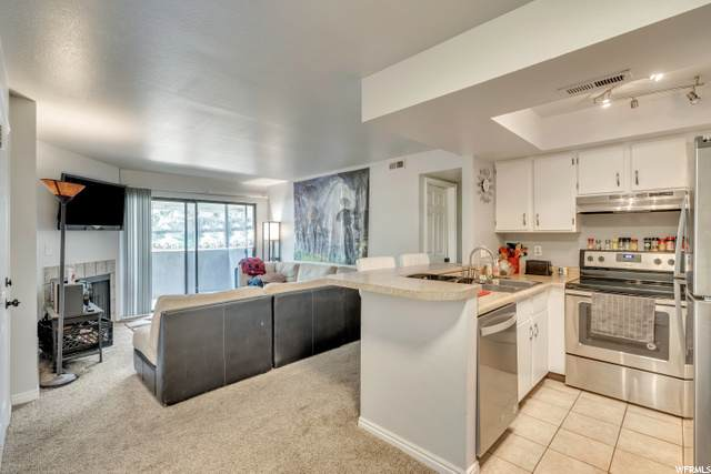 955 E Creek Hill Ln #10, Midvale, UT 84047 (#1692814) :: Red Sign Team