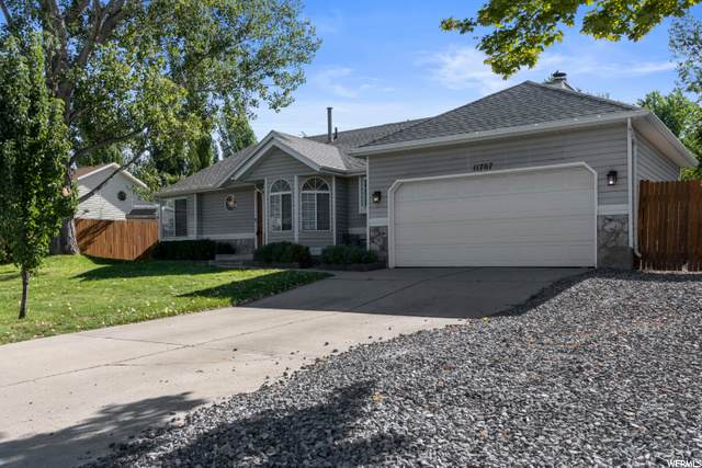 11707 S Willow Wood Dr, Draper, UT 84020 (#1693040) :: Colemere Realty Associates
