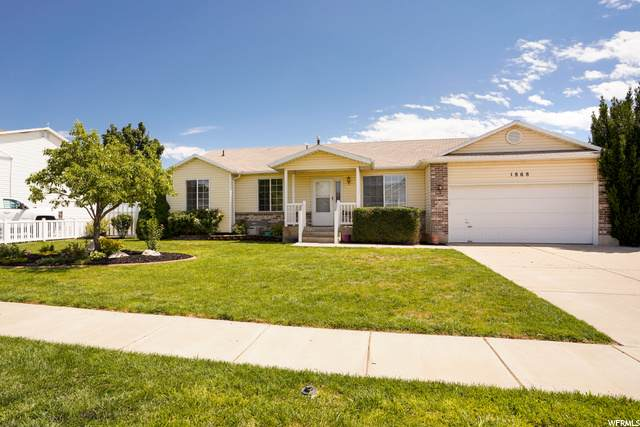 1868 S 250 W, Clearfield, UT 84015 (#1693630) :: Red Sign Team