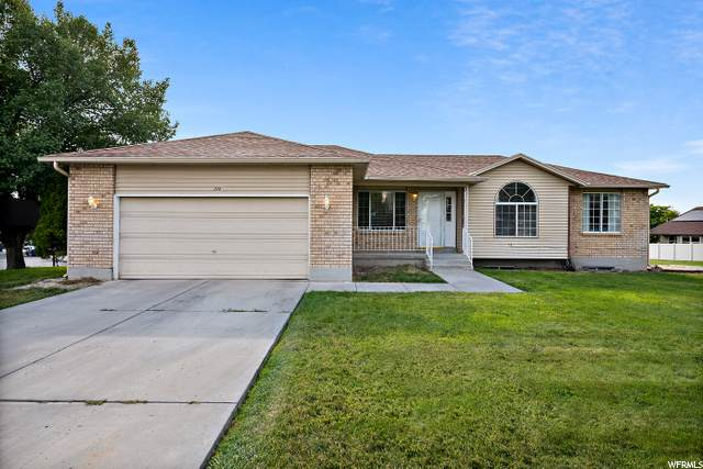 225 Country Club, Stansbury Park, UT 84074 (#1694241) :: Red Sign Team