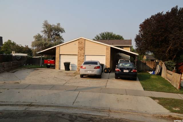 4697 S Cathay Cir W, Taylorsville, UT 84123 (#1696511) :: Colemere Realty Associates