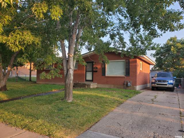 2113 W 5650 S, Roy, UT 84067 (#1698104) :: Doxey Real Estate Group