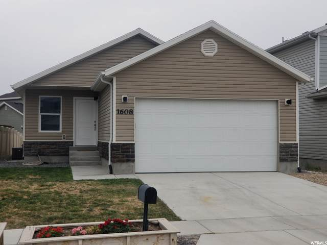 1608 E Tumwater Ln E, Eagle Mountain, UT 84005 (#1698667) :: goBE Realty