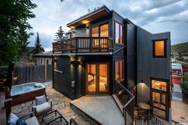 207 Woodside Ave, Park City, UT 84060 (#1698852) :: Doxey Real Estate Group