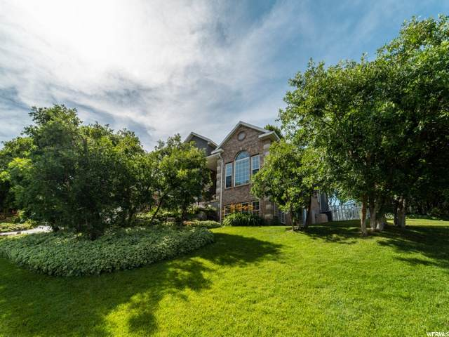 157 W Sterling Dr, Bountiful, UT 84010 (#1699172) :: Colemere Realty Associates