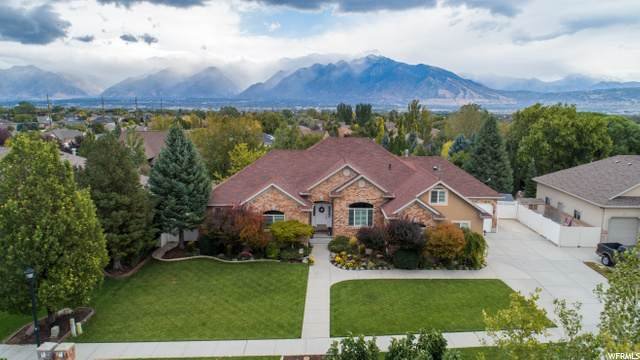 11483 S Jordan Bend Rd W, South Jordan, UT 84095 (#1700466) :: Big Key Real Estate