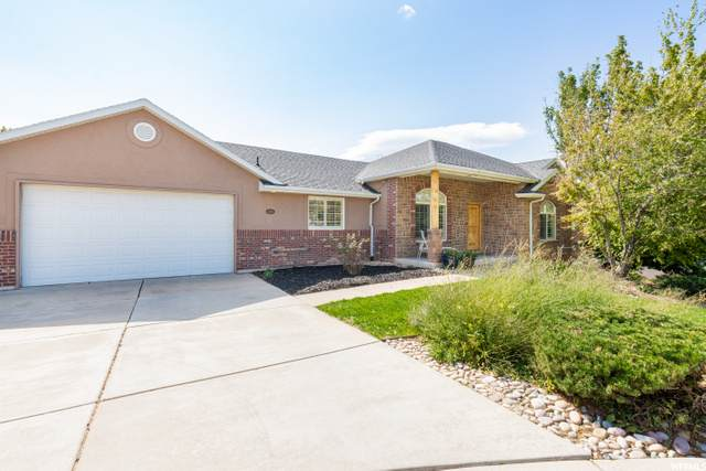 1291 E 5630 S, South Ogden, UT 84403 (#1700625) :: The Fields Team