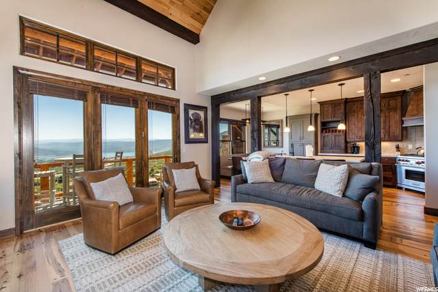 10513 N Lake View Ln, Heber City, UT 84032 (MLS #1701016) :: High Country Properties