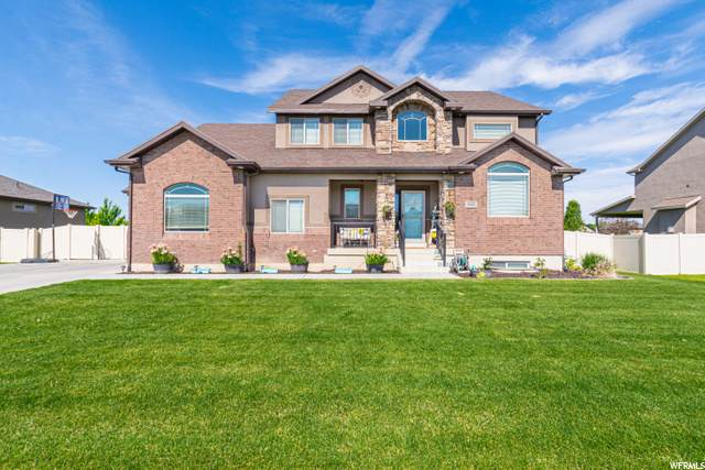 2413 N 2100 W, Clinton, UT 84015 (#1702062) :: Doxey Real Estate Group