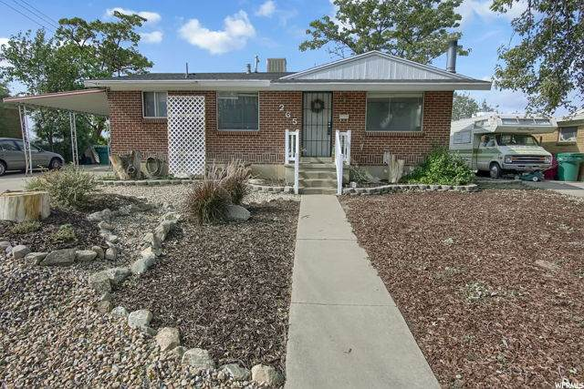 265 N Terrace Dr E, Clearfield, UT 84015 (#1702115) :: Big Key Real Estate