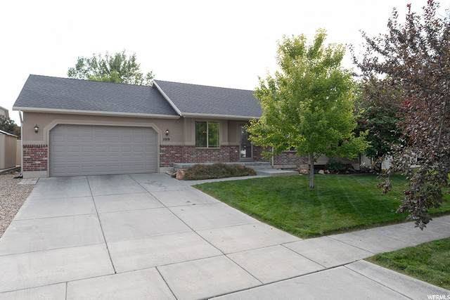 1019 S Banbury Dr, Syracuse, UT 84075 (#1702232) :: Doxey Real Estate Group