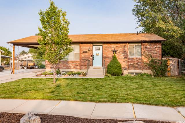 4207 S Burkman Way, West Valley City, UT 84120 (#1702242) :: Colemere Realty Associates