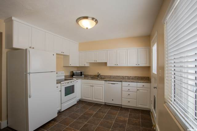 391 E 400 N 3D, Bountiful, UT 84010 (#1702319) :: Colemere Realty Associates