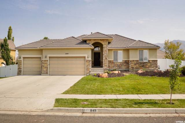 849 S Kays Dr, Kaysville, UT 84037 (#1702360) :: Red Sign Team