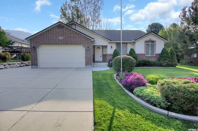 2448 N 600 E, North Ogden, UT 84414 (#1702914) :: Big Key Real Estate