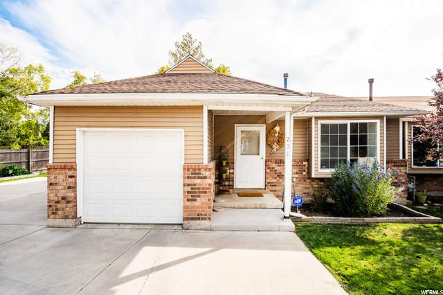 251 E 10600 S, Sandy, UT 84070 (#1703159) :: Big Key Real Estate