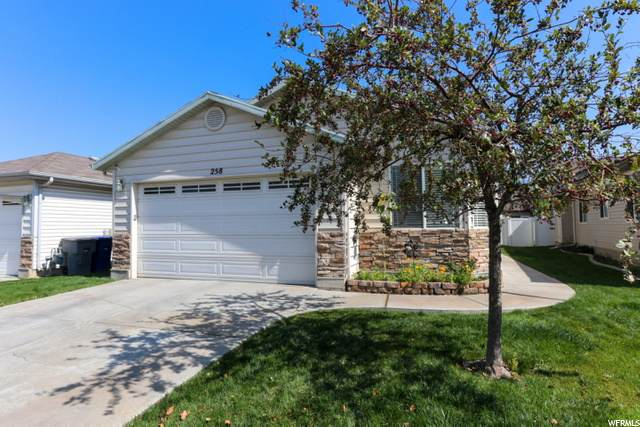 258 N Caleb Dr, North Salt Lake, UT 84054 (#1703700) :: Belknap Team