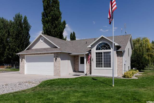 405 Oakwood Dr, Logan, UT 84321 (#1703838) :: Red Sign Team