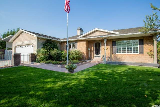 12122 S 2160 W, Riverton, UT 84065 (#1703994) :: Belknap Team