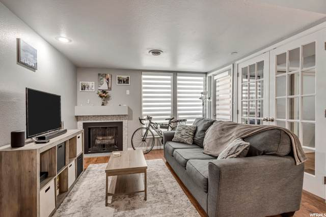 424 N Center St W #201, Salt Lake City, UT 84103 (#1704433) :: The Perry Group