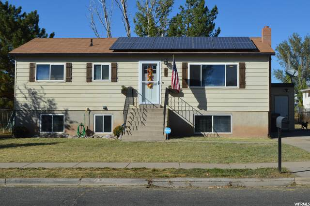 50 W 2300 S, Clearfield, UT 84015 (#1704597) :: The Perry Group