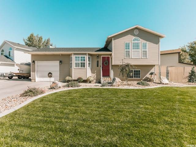 6831 S Fox Ridge Way W, West Jordan, UT 84084 (#1704854) :: Gurr Real Estate