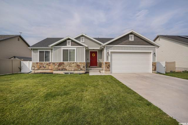 4621 S West Park Dr, Roy, UT 84067 (#1705627) :: Belknap Team