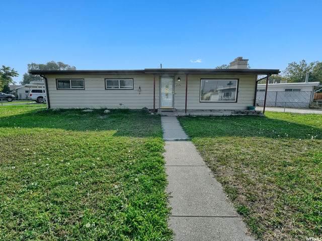 2751 W 3150 S, West Valley City, UT 84119 (#1706172) :: Gurr Real Estate