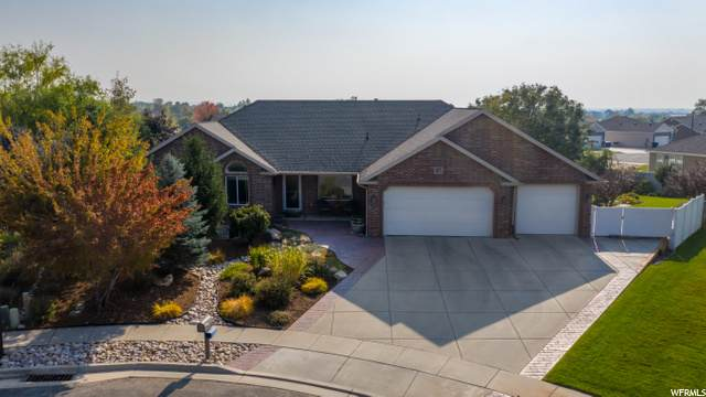 877 E 1525 N, North Ogden, UT 84414 (#1706502) :: Gurr Real Estate