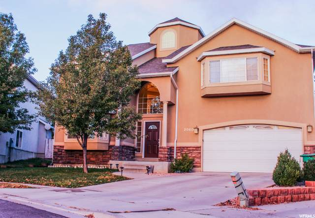2060 E Hidden Village Cir, Sandy, UT 84092 (#1707423) :: Gurr Real Estate