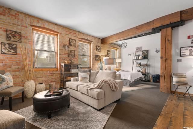327 W 200 S #202, Salt Lake City, UT 84101 (#1707718) :: Pearson & Associates Real Estate