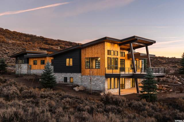 1133 Canyon Gate Rd, Park City, UT 84098 (#1708708) :: EXIT Realty Plus