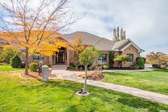 290 E Summerwood Dr, Bountiful, UT 84010 (#1708913) :: Doxey Real Estate Group
