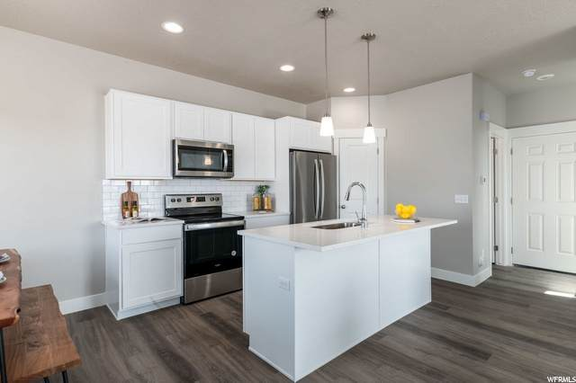 457 E Brandon Way #10, Clearfield, UT 84015 (#1709478) :: REALTY ONE GROUP ARETE