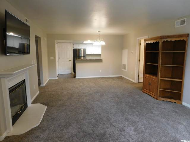 3835 S River Run Way #1, South Salt Lake, UT 84119 (#1709628) :: The Perry Group