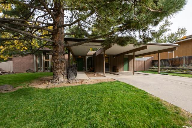 3525 E Summerhill Dr, Cottonwood Heights, UT 84121 (#1709645) :: Red Sign Team